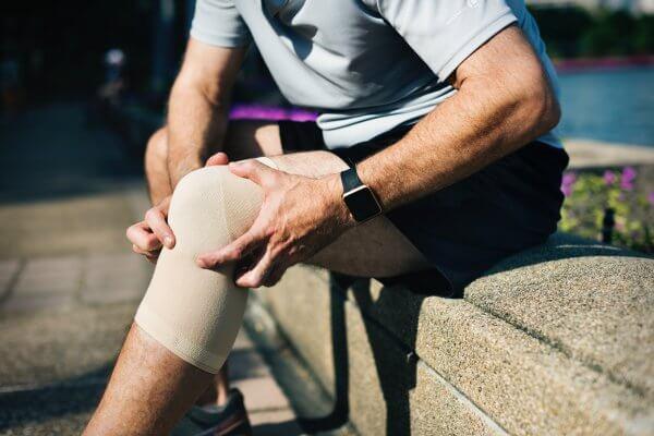עמידותו של מפרק ברך מלאכותי