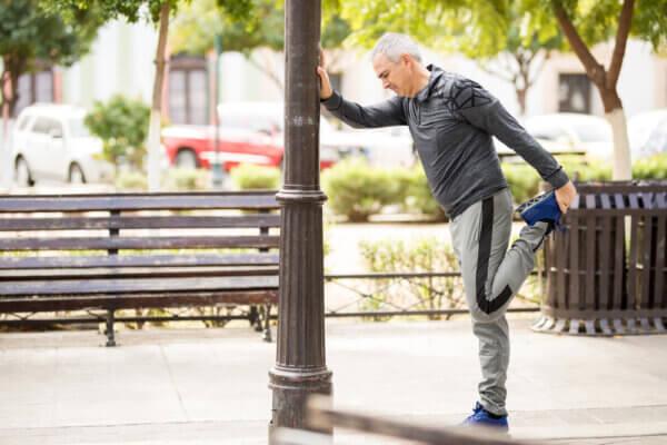 מדוע כאבי ברכיים מחמירים עם הגיל?