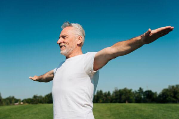 איך לשמור על הגובה בגיל מבוגר?